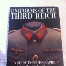Militaria: LIBRO DE UNIFORMES ALEMANES, UNIFORMS OF THE THIRD REICH.. Lote 132329166
