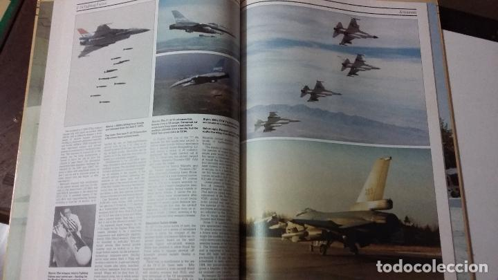 Militaria: The AirForces Book of the F-16 Fighting Falcon - Foto 10 - 49304926