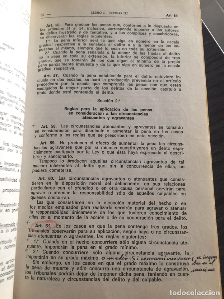 Militaria: Código penal . Biblioteca del Guardia Civil - Foto 3 - 182857371