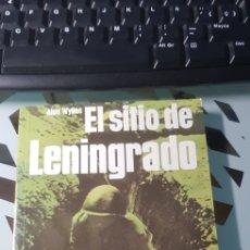 Militaria: LIBRO EL SITIO DE LENINGRADO ED SAN MARTIN BATALLAS Nº 11. Lote 222716240