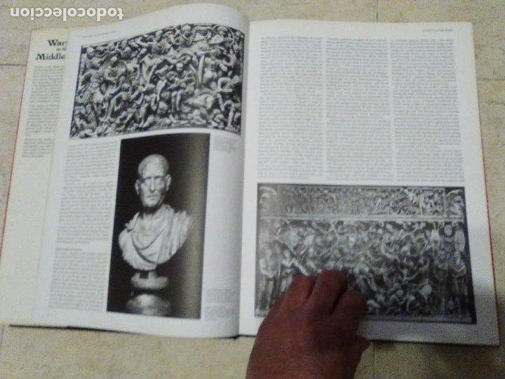 Militaria: LIBRO GIGANTE LA GUERRA EN LA EDAD MEDIA MUY ILUSTRADO MIRAR FORMATO MAS QUE A3 - Foto 2 - 235597420