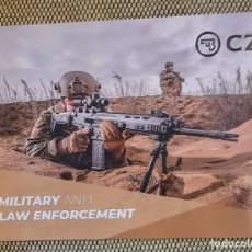 Militaria: CATALOGO CZ, PRODUCTOS MILITARES Y POLICIA. Lote 243856120