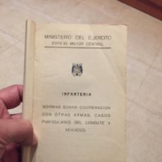 Militaria: LEGION ESPAÑOLA LIBRO INFANTERÍA 1954 MIFRAR FOTOS SIMBOLO LEGIONARIO TAPA TRASERA. Lote 277696603