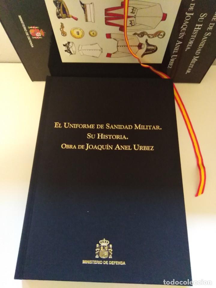 EL UNIFORME DE SANIDAD MILITAR.SU HISTORIA.OBRA DE JOAQUIN ANEL URBEZ. MINISTERIO DE DEFENSA (Militar - Libros y Literatura Militar)
