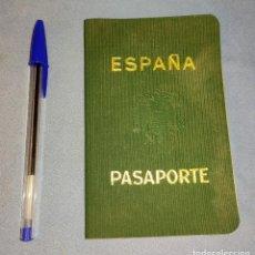 Militaria: ANTIGUO PASAPORTE DE ESPAÑA EPOCA FRANQUISTA. Lote 277035468