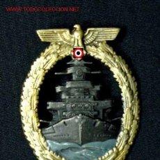 Militaria: DISTINTIVO DE LA FLOTA DE GUERRA EN ALTA MAR (CHAPADA EN ORO Y PLATA).. Lote 4877107
