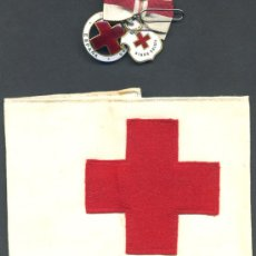 Militaria: 2 MEDALLAS DE LA CRUZ ROJA ESMALTADAS Y BRAZALETE DE DAMA AUXILIAR VOLUNTARIA 1946 , ENFERMERA. Lote 24074492