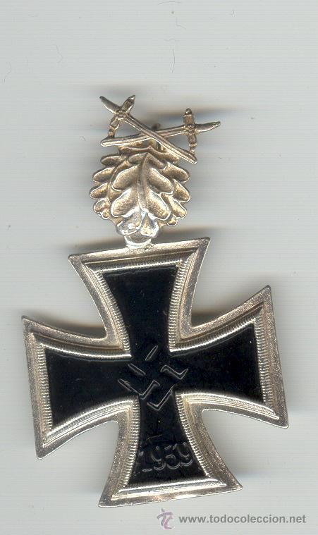 CRUZ DE HIERRO DE CABALLERO CON HOJAS DE ROBLE Y ESPADAS (Militar - Reproducciones y Réplicas de Medallas )