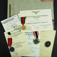 Militaria: LUFTWAFFE, GRUPO DE CONCESIONES Y MEDALLAS,PASE DEL GROSS-PARIS Y ALBÚM DEL STABSGEFREITEN SAMHOFER. Lote 26574767