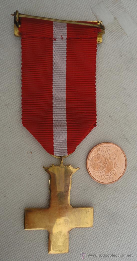 Militaria: Medalla al Mérito Militar Rojo, unifacial, corona fija - Foto 2 - 22218502