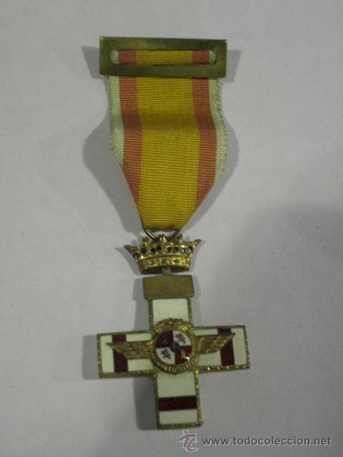 CRUZ DEL MÉRITO AÉREO. PENSIONADA.1ª ÉPOCA DE FRANCO. . (Militar - Medallas Españolas Originales )