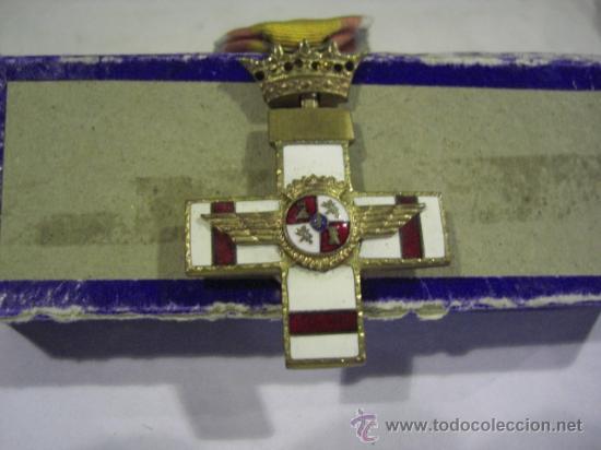 Militaria: Cruz del Mérito Aéreo. Pensionada.1ª Época de Franco. . - Foto 5 - 27460025