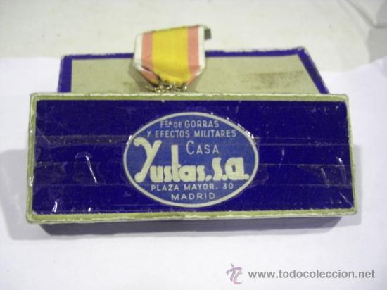 Militaria: Cruz del Mérito Aéreo. Pensionada.1ª Época de Franco. . - Foto 7 - 27460025
