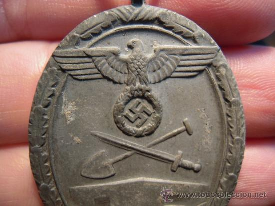 Militaria: Alemania. II Guerra Mundial. Medalla del Muro del Atlántico. Sin cinta. - Foto 2 - 27274091