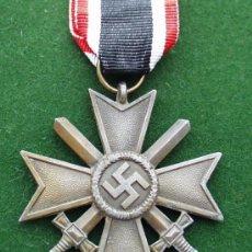 Militaria: ALEMANIA II GUERRA - CRUZ MERITO MILITAR CON ESPADAS - MARCAJE FABRICANTE: 15.. Lote 27635375