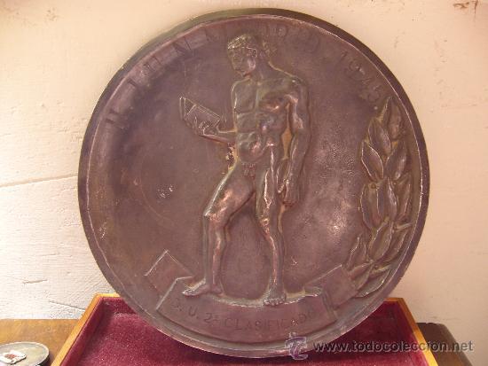 Militaria: Medallon del frente de juventudes Madrid 1945 Diametro 19,5 cm - Foto 2 - 31411567