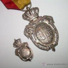 Militaria: MEDALLA MAS INSIGNIA DEL INSTITUTO NACIONAL DE PREVISION....1908...CONTRASTE DE PLATA 916.. Lote 31606835