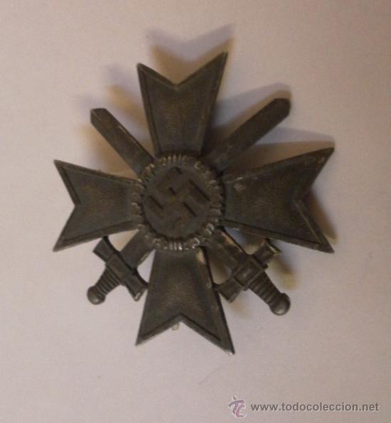 Militaria: Alemania. II Guerra Mundial. Cruz del Mérito Militar con Espadas. 1º Clase. Marcada L/13. - Foto 2 - 34949907
