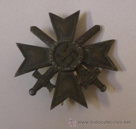 Militaria: Alemania. II Guerra Mundial. Cruz del Mérito Militar con Espadas. 1º Clase. Marcada L/13. - Foto 3 - 34949907