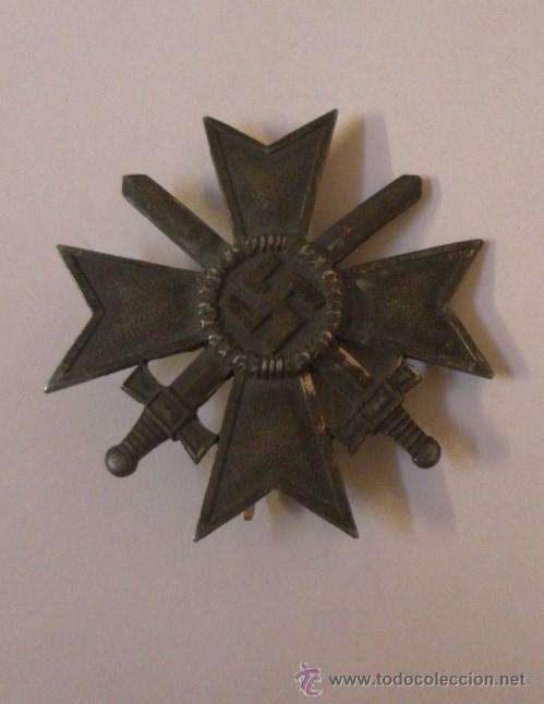 Militaria: Alemania. II Guerra Mundial. Cruz del Mérito Militar con Espadas. 1º Clase. Marcada L/13. - Foto 4 - 34949907