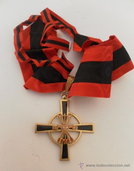 Militaria: Encomienda de la Orden del Yugo y las flechas. Época de Franco. - Foto 2 - 35346618
