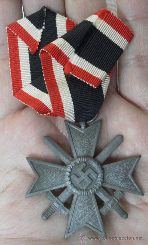 ALEMANIA. CRUZ DEL MÉRITO MILITAR. CON ESPADAS. II GUERRA MUNDIAL. (Militar - Medallas Internacionales Originales)