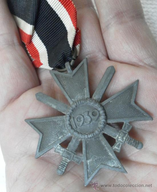 Militaria: Alemania. Cruz del Mérito Militar. Con espadas. II Guerra Mundial. - Foto 3 - 36375833