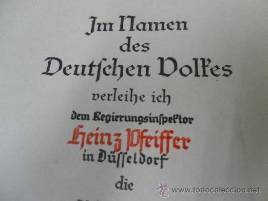 Militaria: Alemania. Medalla del Bienestar Social. Con diploma de concesión. II Guerra Mundial. - Foto 3 - 36480909