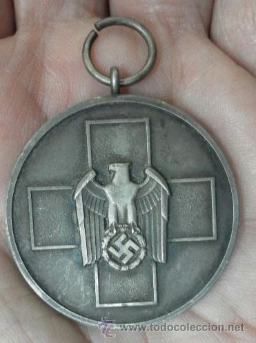 Militaria: Alemania. Medalla del Bienestar Social. Con diploma de concesión. II Guerra Mundial. - Foto 7 - 36480909