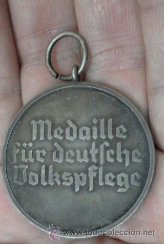 Militaria: Alemania. Medalla del Bienestar Social. Con diploma de concesión. II Guerra Mundial. - Foto 8 - 36480909