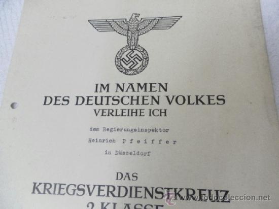 Militaria: Alemania. Cruz del Mérito Militar 2ª Clase. Con diploma de concesión. II Guerra Mundial - Foto 2 - 36481051