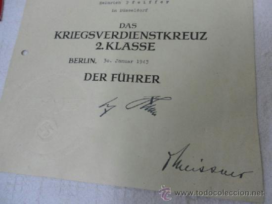 Militaria: Alemania. Cruz del Mérito Militar 2ª Clase. Con diploma de concesión. II Guerra Mundial - Foto 3 - 36481051