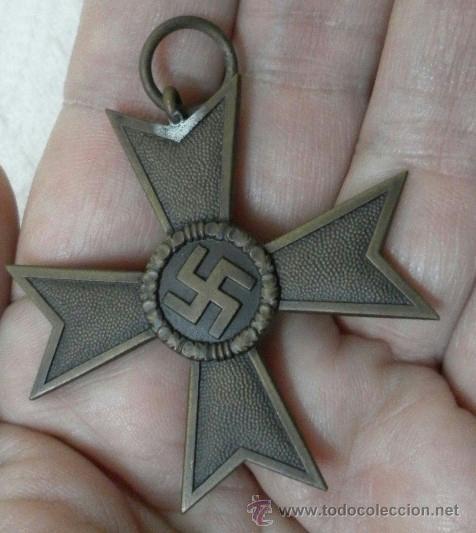Militaria: Alemania. Cruz del Mérito Militar 2ª Clase. Con diploma de concesión. II Guerra Mundial - Foto 6 - 36481051