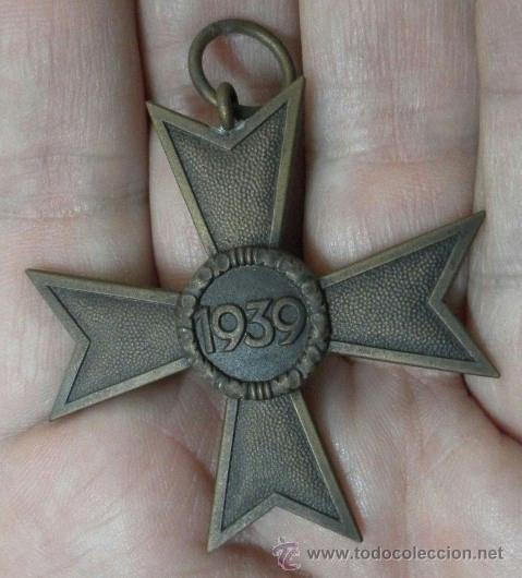 Militaria: Alemania. Cruz del Mérito Militar 2ª Clase. Con diploma de concesión. II Guerra Mundial - Foto 7 - 36481051