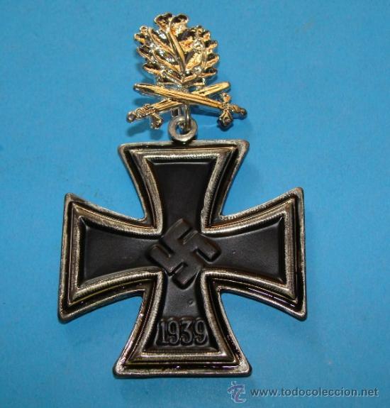 MEDALLA ALEMANIA III REICH. CRUZ DE CABALLERO CRUZ DE HIERRO. HOJAS DE ROBLE PLATA. 1813 1939 (Militar - Reproducciones y Réplicas de Medallas )