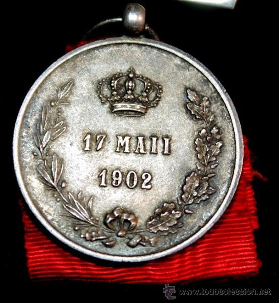 Militaria: MEDALLA DE LA DISTINCIÓN DE LA MAYORIA DE EDAD 17 MAYO 1902 ALFONSO XIII - Foto 3 - 38276206