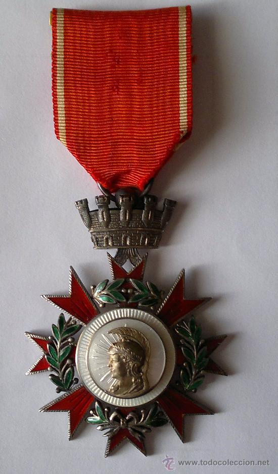 ORDEN DE LA REPUBLICA ESPAÑOLA CATEGORIA DE CABALLERO (Militar - Medallas Españolas Originales )
