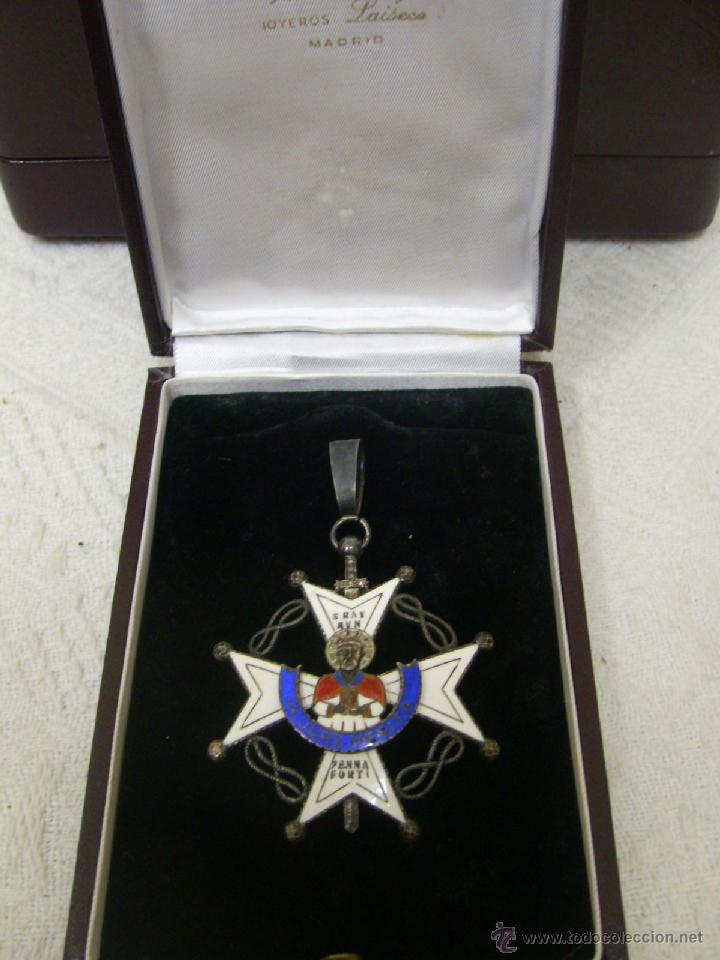 ENCOMIENDA DE LA ORDEN DE SAN RAIMUNDO DE PEÑAFORT..ÉPOCA DE FRANCO (Militar - Medallas Españolas Originales )