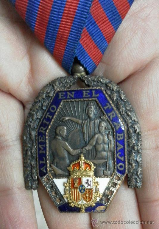 Militaria: Medalla del trabajo. Época Alfonso XIII. Muy buena calidad. - Foto 2 - 40383413