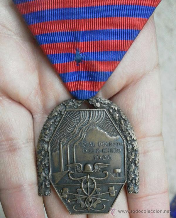 Militaria: Medalla del trabajo. Época Alfonso XIII. Muy buena calidad. - Foto 3 - 40383413