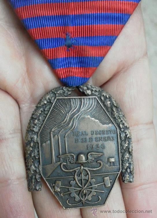 Militaria: Medalla del trabajo. Época Alfonso XIII. Muy buena calidad. - Foto 4 - 40383413