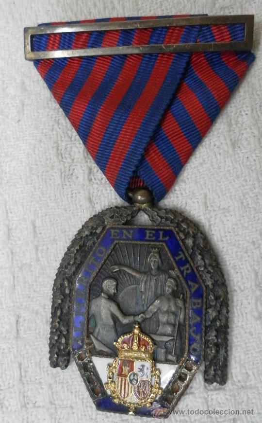 Militaria: Medalla del trabajo. Época Alfonso XIII. Muy buena calidad. - Foto 8 - 40383413