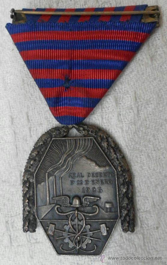 Militaria: Medalla del trabajo. Época Alfonso XIII. Muy buena calidad. - Foto 9 - 40383413