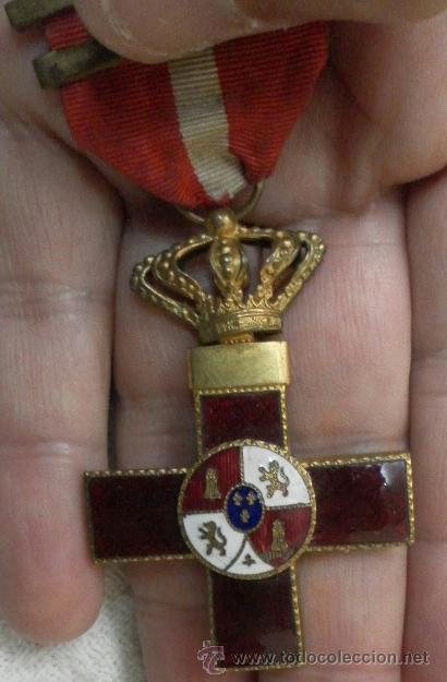 CRUZ DEL MÉRITO MILITAR. DISTINTIVO ROJO. CON TRES PASADORES. ÉPOCA DE ALFONSO XIII. (Militar - Medallas Españolas Originales )
