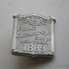 Militaria: REPLICA DE PLACA POLICIA NUEVA YORK NEW YORK CITY NYPD REPLICA DE ORIGINALES DEL AÑO 1889. Lote 40919065