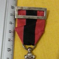 Militaria: MEDALLA FALANGE HONOR GRATITUD DEL FRENTE DE JUVENTUDES S.E.U. PASADOR, CINTA, ESMALTE, PLATA. Lote 41181994