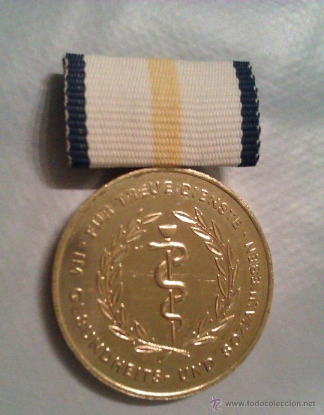 MEDALLA ALEMANIA CONDECORACION AL SERVICIO ATENCION SANITARIA Y SOCIAL INSIGNIA MEDICINA (Militar - Medallas Extranjeras Originales)