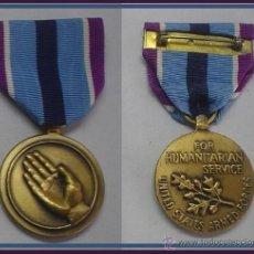 Militaria: MEDALLA MILITAR DE U.S.A POR SERVICIOS HUMANITARIOS EN SU CAJA ORIGINAL. Lote 41298543