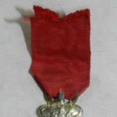 Militaria: MEDALLA CRUZ DE PLATA AL MERITO MILITAR DISTINTIVO ROJO DE TROPA. SIGLO XIX, 1875 APROX. GUERRA CARL. Lote 113193246