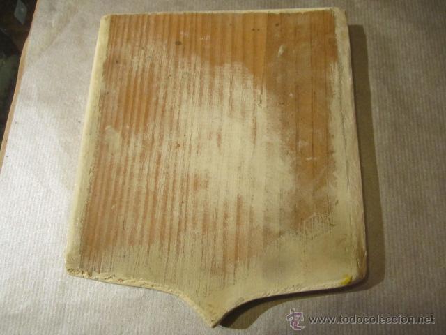Militaria: Escudo heráldico - Carrion - pintado a mano sobre madera. 16 x 18,5 cms. - Foto 3 - 42313931